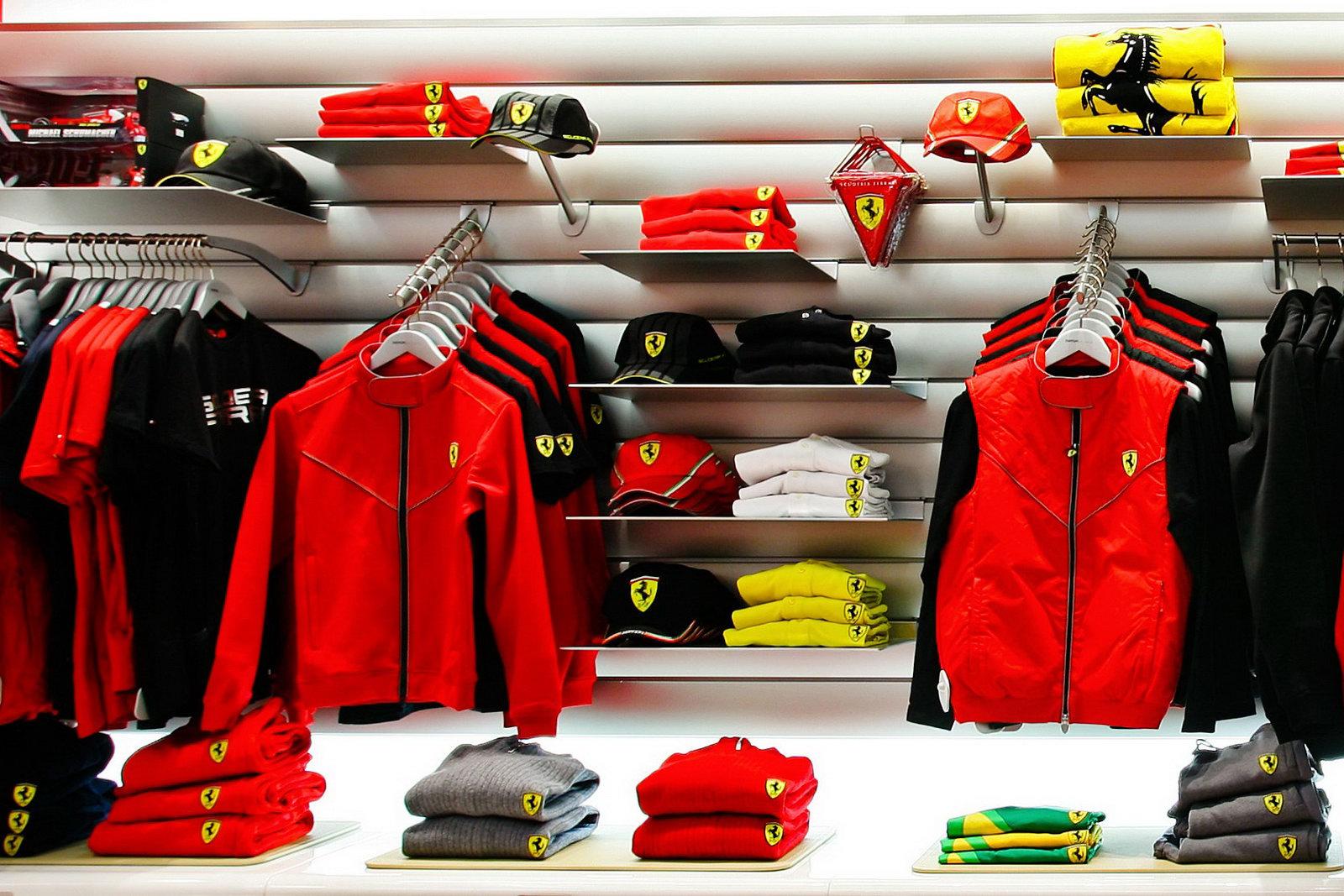 Ferrari Store   Toda una Pasi  n ZlyGQXIR