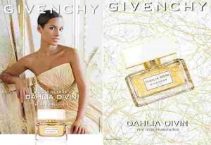 Alicia Keys imagen del perfume Dahlia Divin de Givenchy