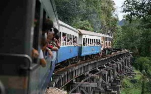 Tren de la muerte en Tailandia